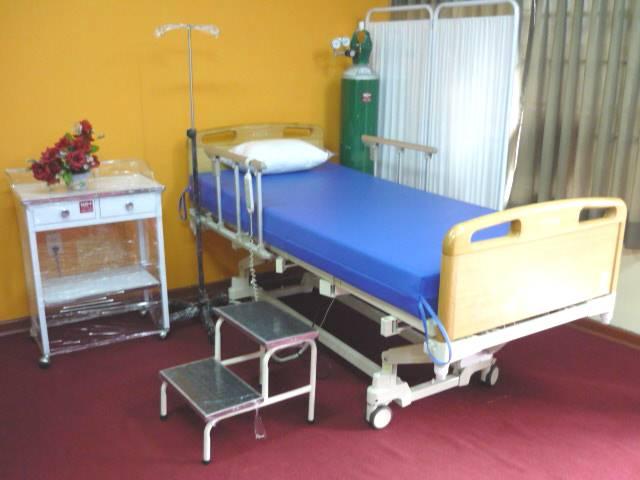 Baño General Del Paciente En Cama: del somier hasta el nivel que el paciente pueda reposar sus pies en el